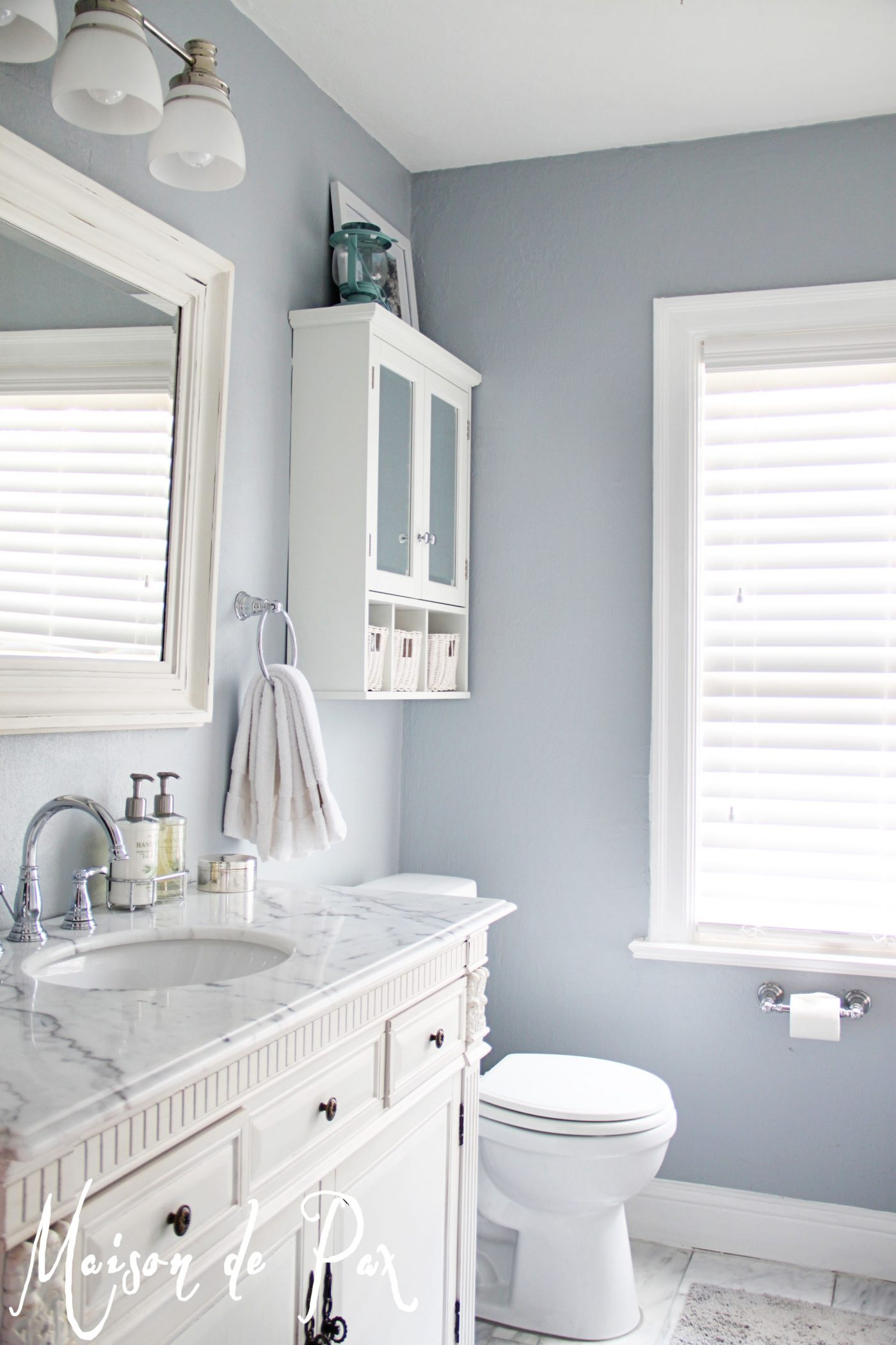How to design a small bathroom for Bathroom color ideas blue