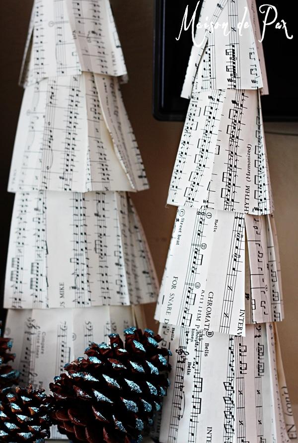 blue christmas mantel pine cones