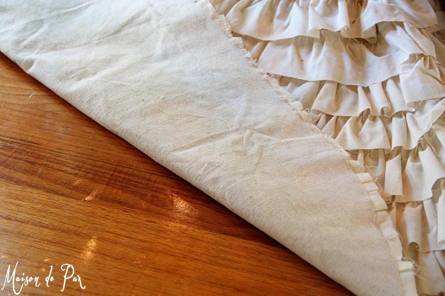 ruffled tree skirt back