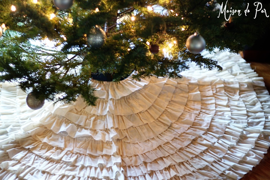 ruffled tree skirt empty