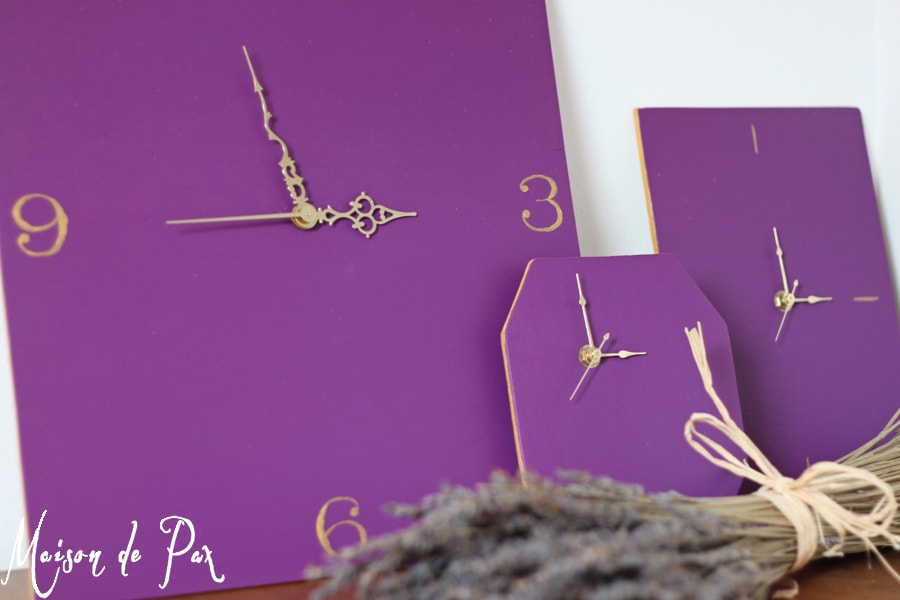 Click through for step by step instructions to turn plywood scraps into gorgeous, working clocks!