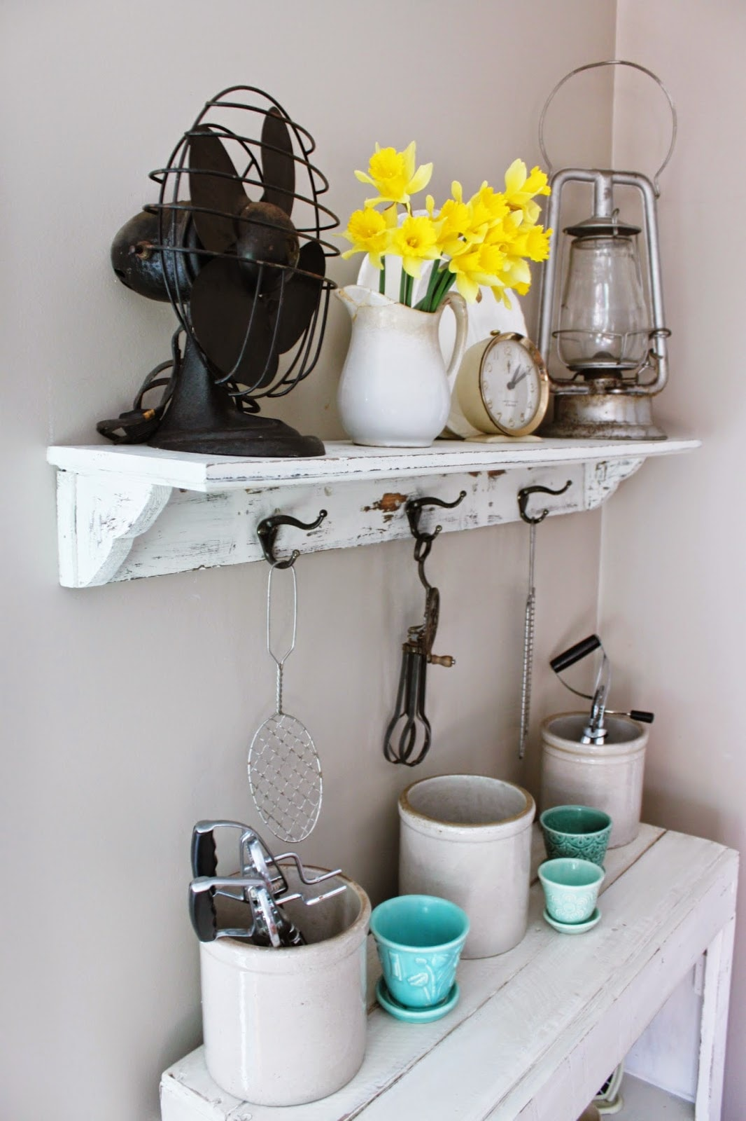Chippy Kitchen Shelf