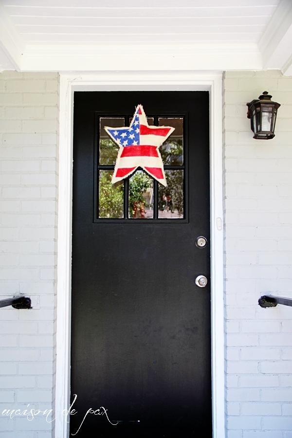 Brilliant, easy, simple DIY patriotic decor at maisondepax.com