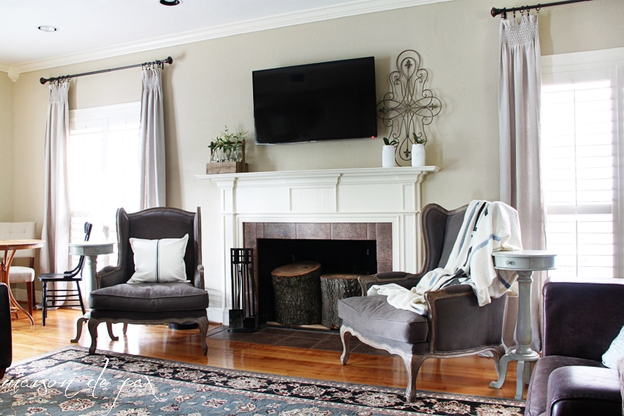 gorgeous living room makeover at maisondepax.com