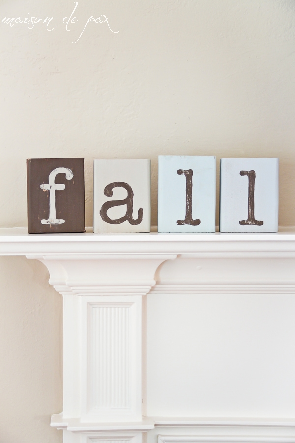 Ideas for a gorgeous, mostly neutral fall mantel via maisondepax.com #fall #decor