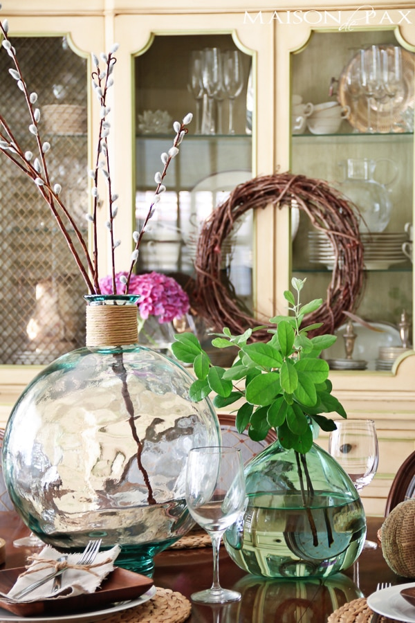 gorgeous neutral fall centerpieces at maisondepax.com #fall #decor #centerpiece #tablescape #dining