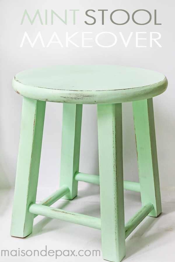 Such an adorable little stool! Great tutorial to make your own little mint stool via maisondepax.com #diy #paint