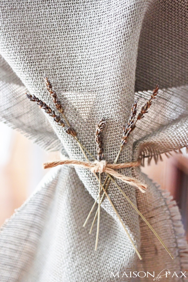 Such an EASY project!  No sew DIY burlap table runner via maisondepax.com