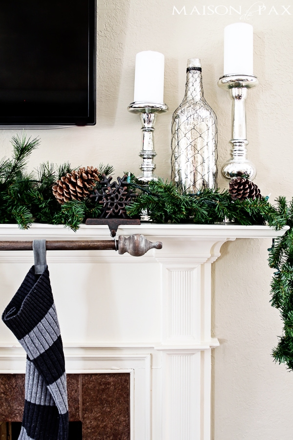 Gorgeous Christmas home tour full of simple, beautiful, diy decoration ideas via maisondepax.com #decor #holiday