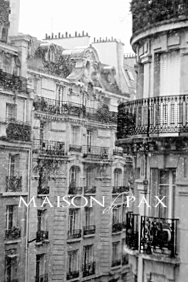 stunning black and white photography of Paris via maisondepax.com