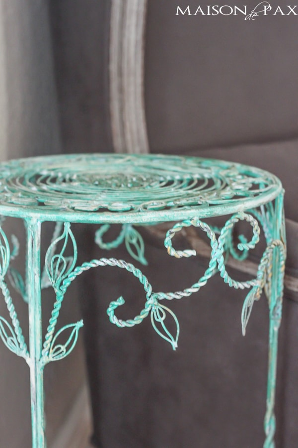 Turn an old rusty plant stand into a gorgeous side table with this patina tutorial via maisondepax.com #upcycle #diy