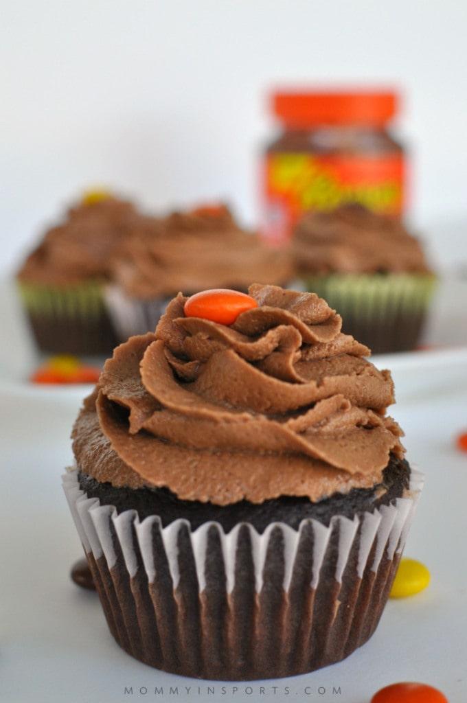 Reeses-Chocolate-Peanut-Buttercream-Vertical