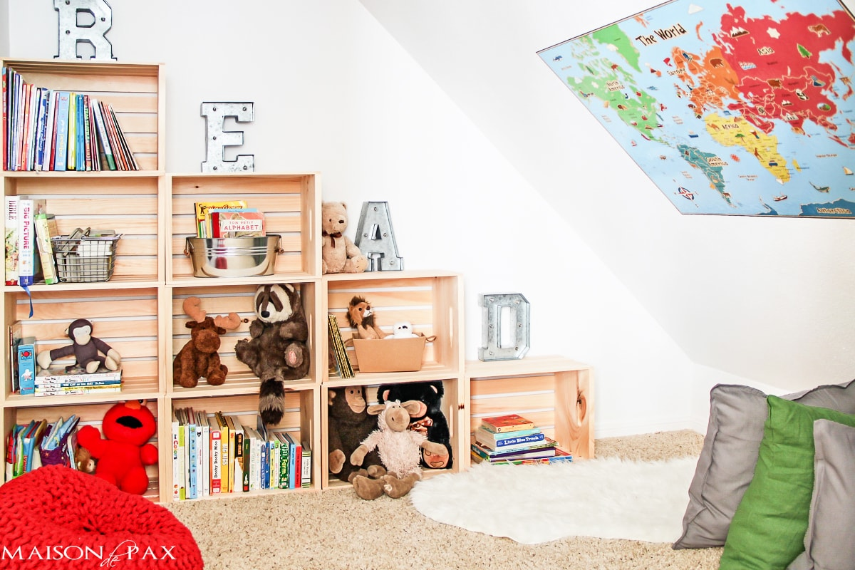 Adorable reading and play room for kids: create a darling nook anywhere in  your house