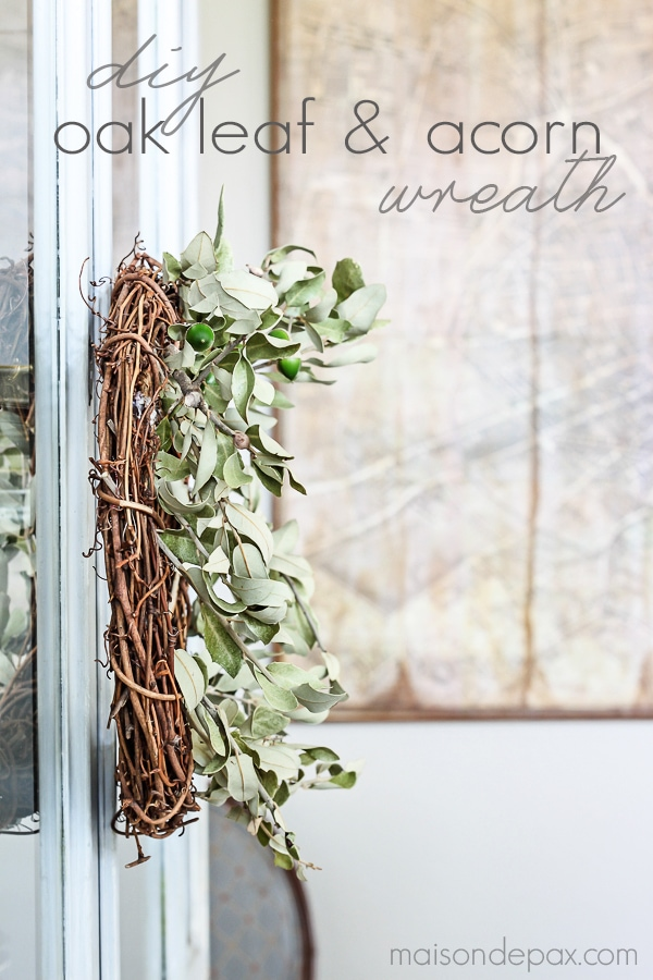 So cute and so affordable! Make this diy oak leaf and acorn wreath for fall in less than 10 minutes | maisondepax.com