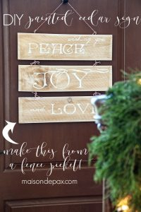 I love this adorable and easy sign! A wonderful alternative to a wreath and so easy to make from a single cedar fence picket | maisondepax.com