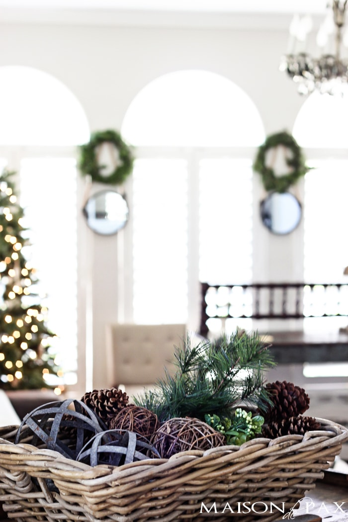 Gorgeous, simple Christmas home tour: natural greenery, winter woodland theme, sparkly touches, and simple reminder of the hope of the season. Tons of diy and decorating ideas | maisondepax.com
