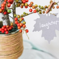 I love this Thanksgiving project idea! A Thankful Tree uses simple yardstick leaves to help you and your family count your blessings each November | maisondepax.com