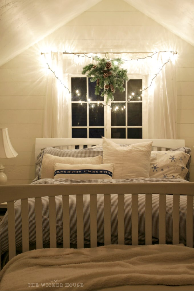 what a charming guest room for the holidays!