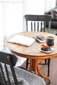 a darling little breakfast bistro table with Parisian touches | maisondepax.com