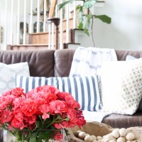 how to decorate your home for summer in 10 minutes or less | quick summer decorating ideas