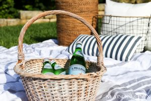 simple summer picnic blanket and games