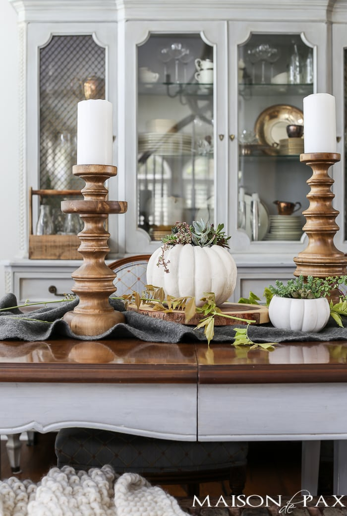 Neutral easy fall decorations and home tour maison de pax for Neutral home decor ideas