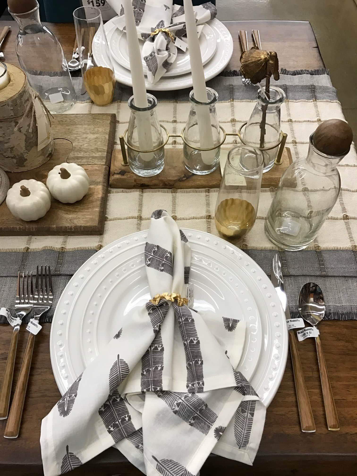 Love this fall tablescape! So many gorgeous elements... and affordable.