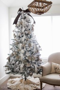 flocked-christmas-tree-silver-white-ornaments