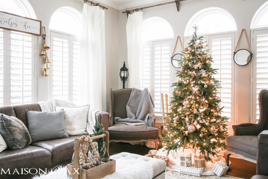 Green and white christmas decorating ideas maison de pax for Decoration maison white