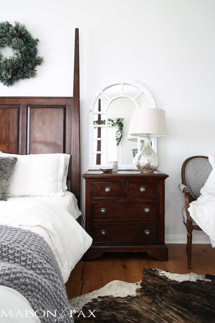 white christmas bedroom decorating ideas - Christmas Bedroom Decor Ideas