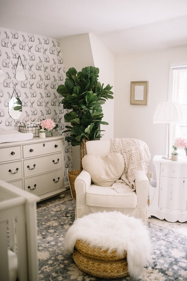 neutral nursery with fiddle leaf and fur